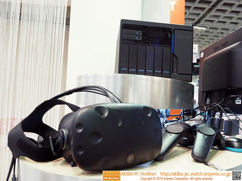 使用されていたのはHTC Vive。これがNASと接続されている。