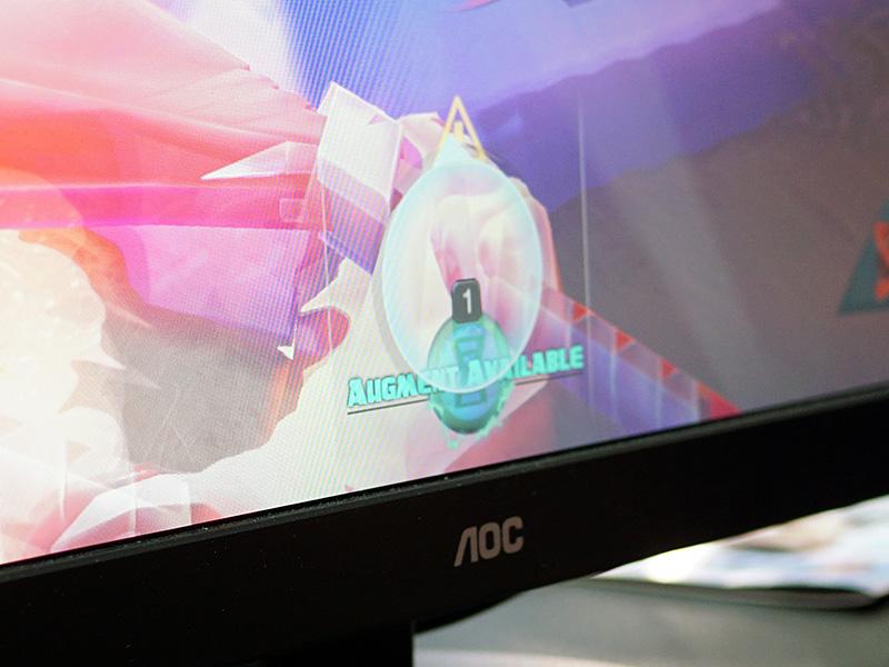 実際のゲームでは敵が接近した際に注意を知らせるアイコンが表示されていた。