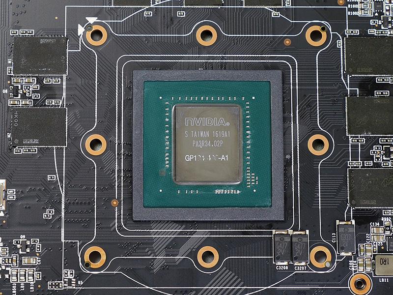 GeForce GTX 1080のGPUコア。Pascal世代になり、電力効率は向上したが、同じ消費電力でも放熱のハードルは上昇しているという。