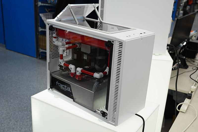 Fractal DesignのMOD PC