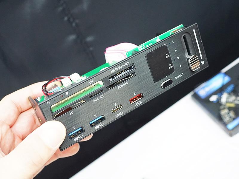 USB 3.1コネクタやファンコンなどを備えた5インチベイパネル「FP59」