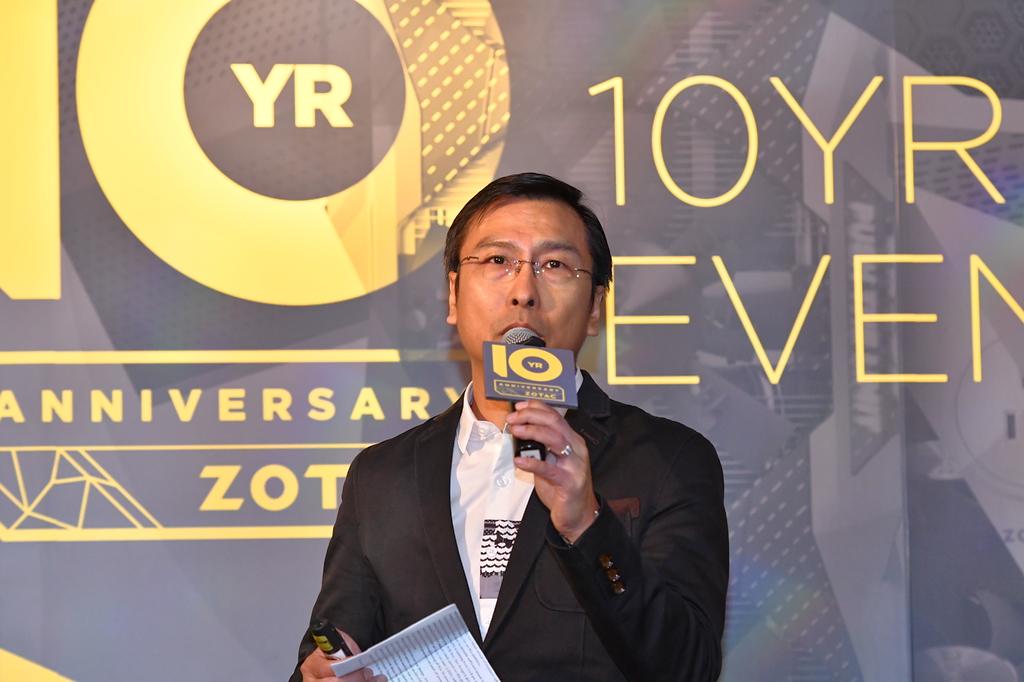 """ビデオカード部門のDanny Wong氏。同氏のこだわりも<a href=""""http://akiba-pc.watch.impress.co.jp/docs/sp/1018928.html"""">こちらで掲載済み</a>。"""