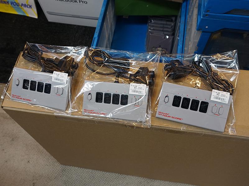 NES向けマルチタップ「NES FOR SCORE」。税抜き6,200円。
