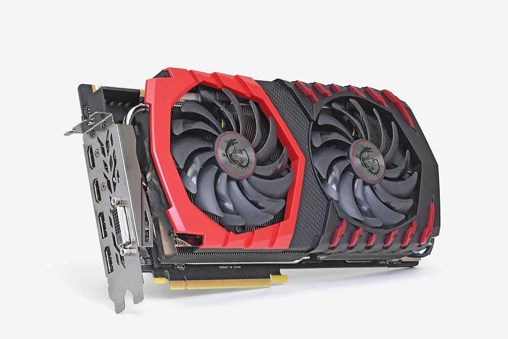 GeForce GTX 1080 Tiを狙っているコアゲーマー注目のMSI製OCモデル「GeForce GTX 1080 Ti GAMING X 11G」。市場価格は税別104,800円と、Founders Editionの初値にかなり近い値段設定になっている。