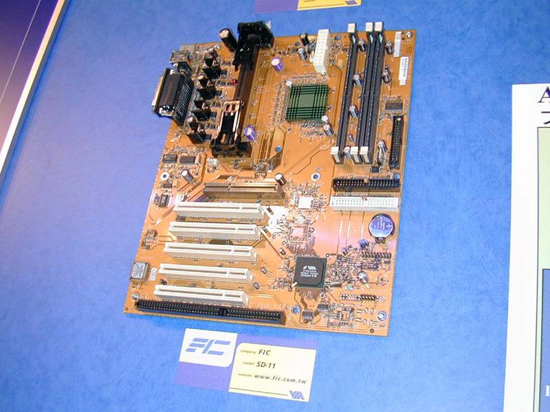VIAのチップセットを搭載したマザーボード