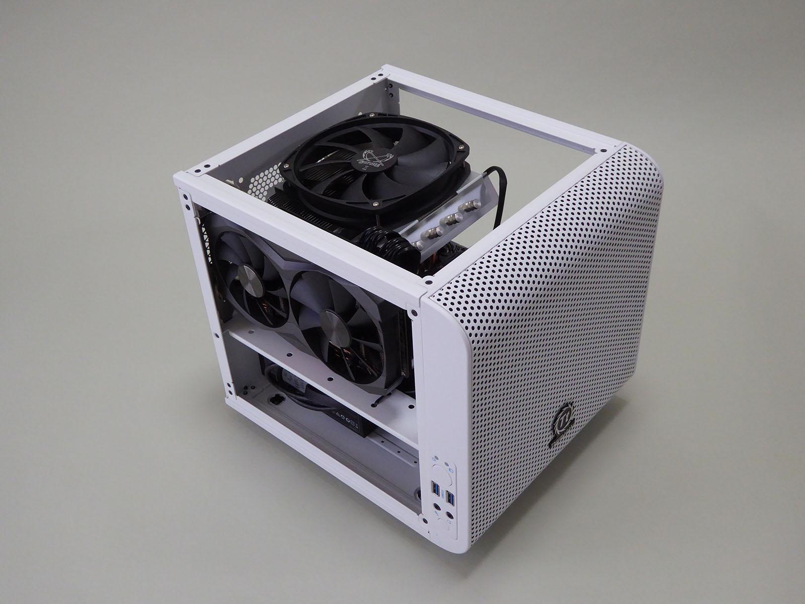 Core V1は、キューブPCとしてはやや大型ではあるが、ハイエンドGPUのGeForce GTX 1080 Ti Miniにとってちょうどよいサイズ感でもある印象だ。