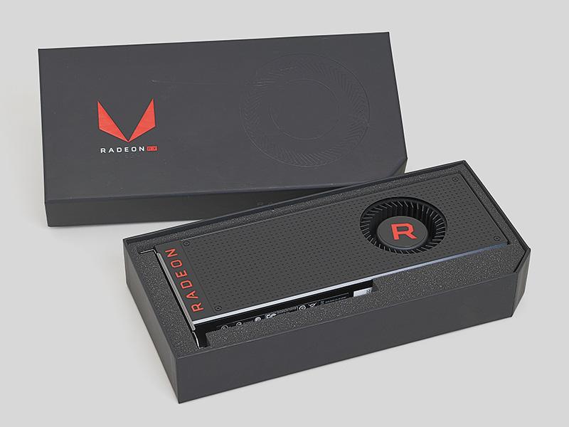これが上位モデルのRadeon RX Vega 64。空冷版のリファレンス仕様です。対抗モデルはGeForce 1080と言われています。下位のRX Vega 56も投入されます