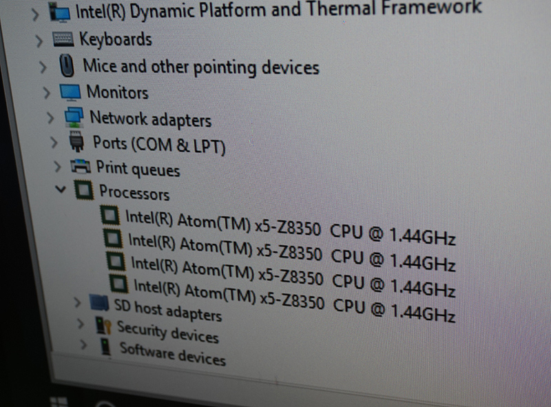 CPUはAtom x5-Z8350