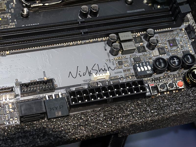 Nick Shih氏のサイン