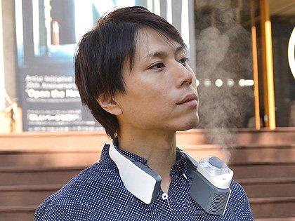 スマホの充電もOK!首かけタイプの空気清浄器&加湿器が発売