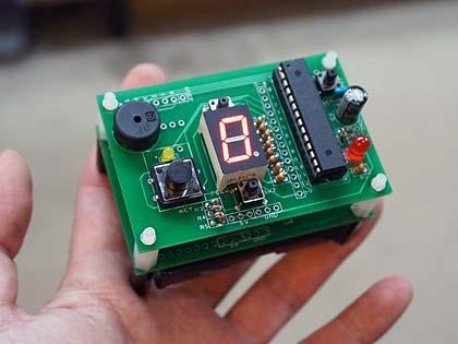 世界最小の音ゲーマシン?電子工作キット「ゆびトーン」が店頭入荷 電子工作キット「ゆびトーン(組立キット)」