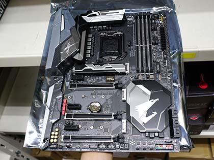 ギラギラ光るゲーム向けやMini-ITXなど、GIGABYTEのZ370マザーは計5モデル Z370 AORUS Gaming 7