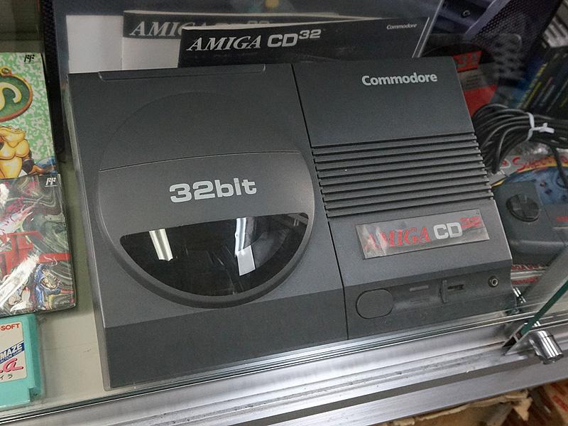 32bitゲーム機「AMIGA CD32」