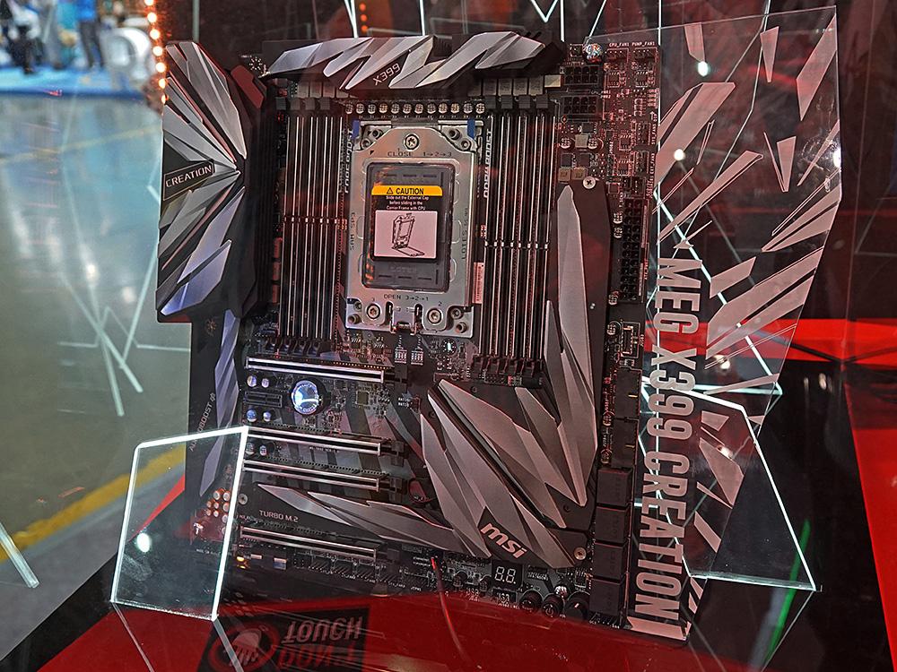 第2世代Ryzen Threadripperに対応した「MEG X399 CREATION」。CPUの消費電力増加に対応するため、電源回路が19フェーズのデジタル制御に強化され、ヒートシンクも大型化されている