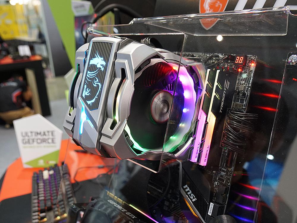 新型CPUクーラー「Core Frozr XL with RGB Fan」。天面とファンが美しく光る