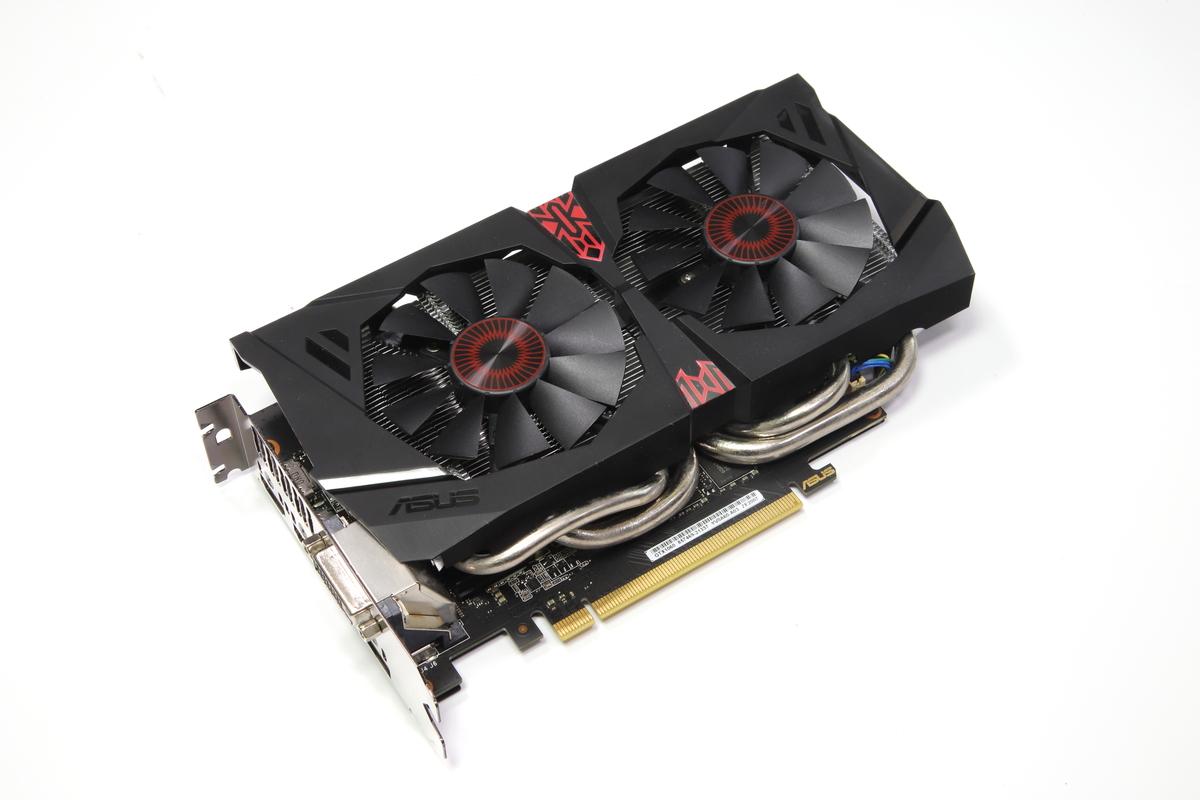 ミドルハイGPUのGeForce GTX 1060 6GBを搭載した「ASUS STRIX-GTX1060-DC2O6G」。VRAM容量は6GB。