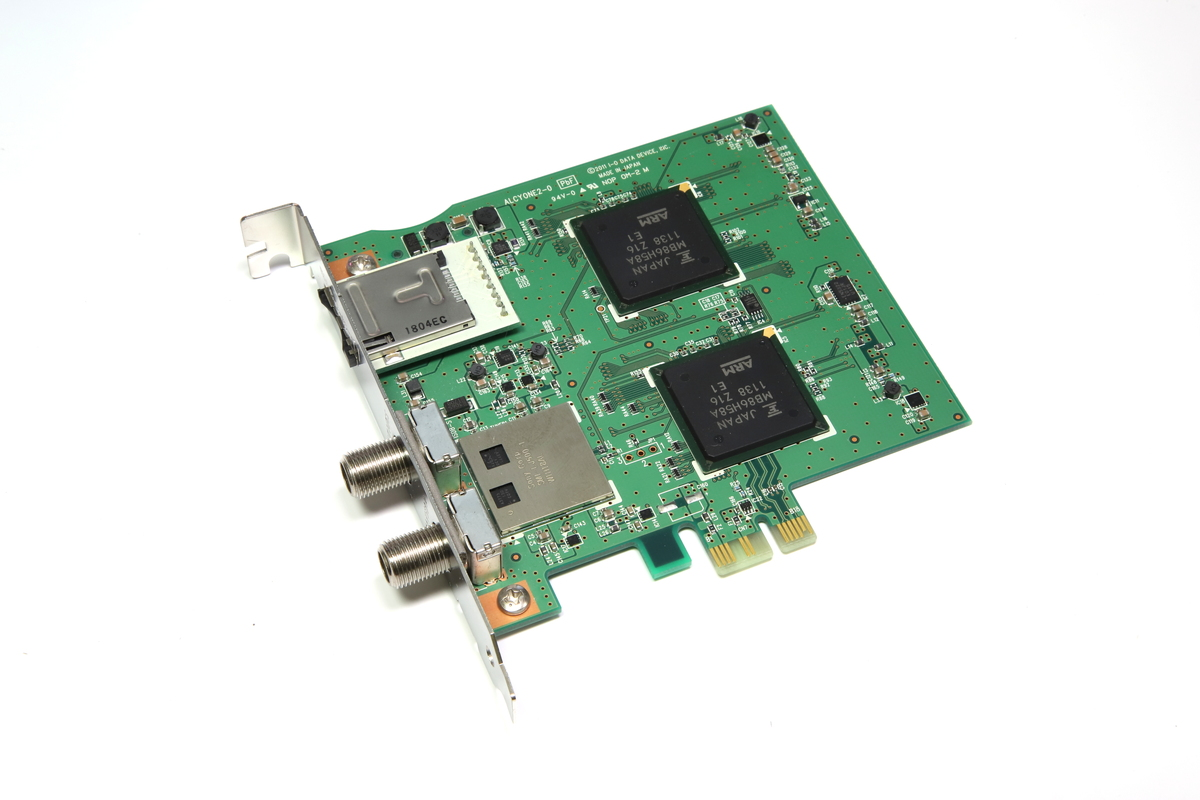 PCI Express x1接続の地デジチューナー「アイ・オー・データ GV-MVP/XS2W」。1枚で2チャンネルの同時録画が可能なWチューナー。