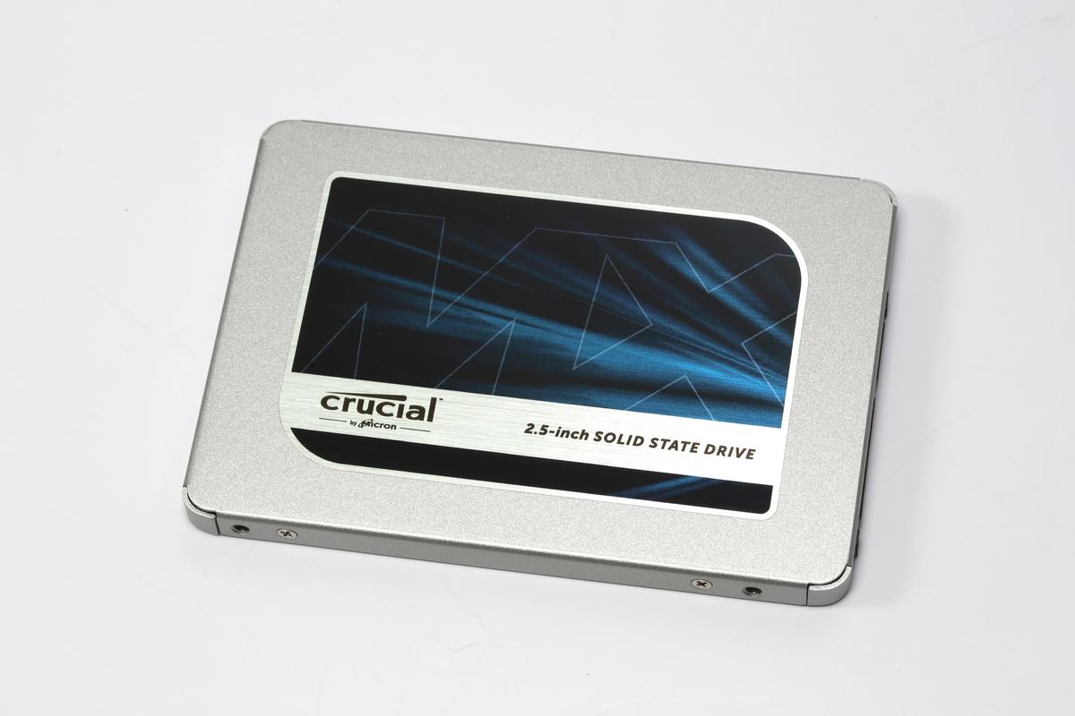 3D TLC NANDを採用する6Gbps SATA対応SSD「Crucial MX500」。1TBモデルの実売価格は1.8万円前後で、テラバイトクラスのSSDも入手しやすくなった。