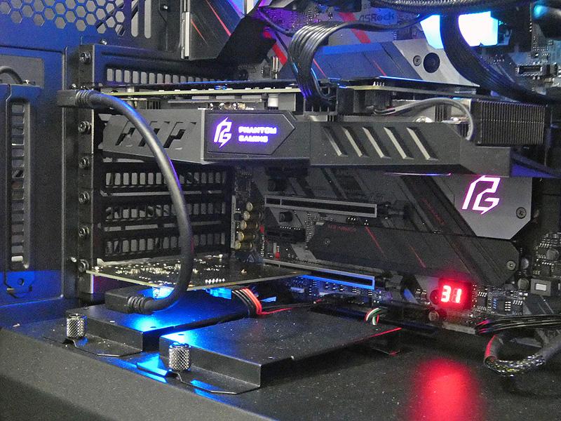 Thunderbolt 3インターフェースカードの新製品「Thunderbolt 3 AIC R2.0」と組み合わせれば、内部接続用のminiDPポートを使って、スマートにThunderbolt 3での映像出力が可能になる