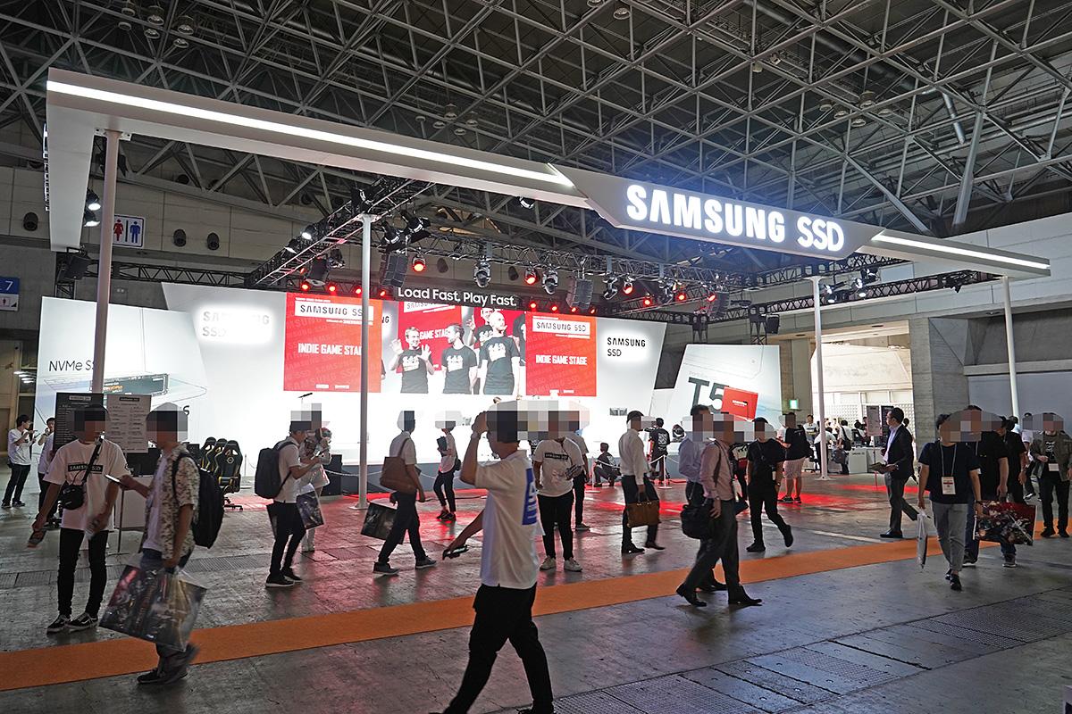 Samsung×DeToNatorのブース。