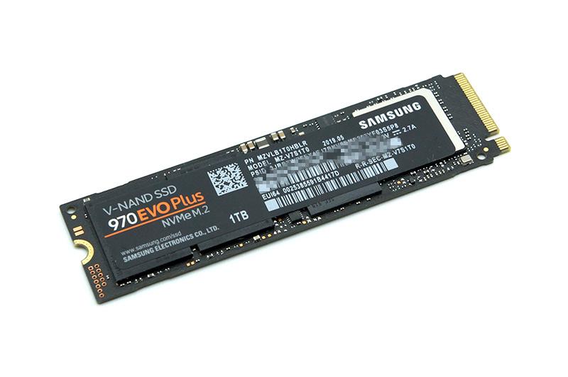 移行先にはSamsungのハイエンドNVMe SSD「970 EVO Plus」の1TB版 (MZ-V7S1T0B)を用意。実売価格は25,000円前後だ