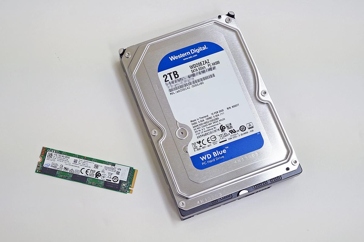 SSDのIntel SSDPEKNW010TBとHDDのWestern Digital WD20EZAZ