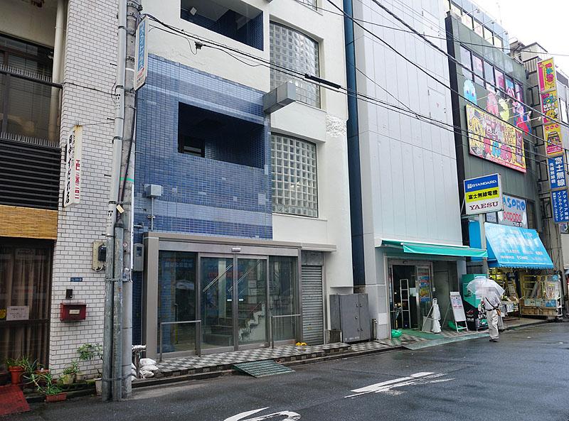 田中すだれ店に隣接するビルは、ツクモではなくなる