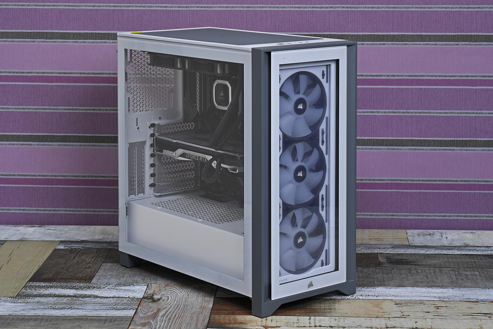アドレサブルLED搭載のケースファンを3基装備する「iCUE 4000X RGB Tempered Glass」、実売価格は税込20,000円前後。