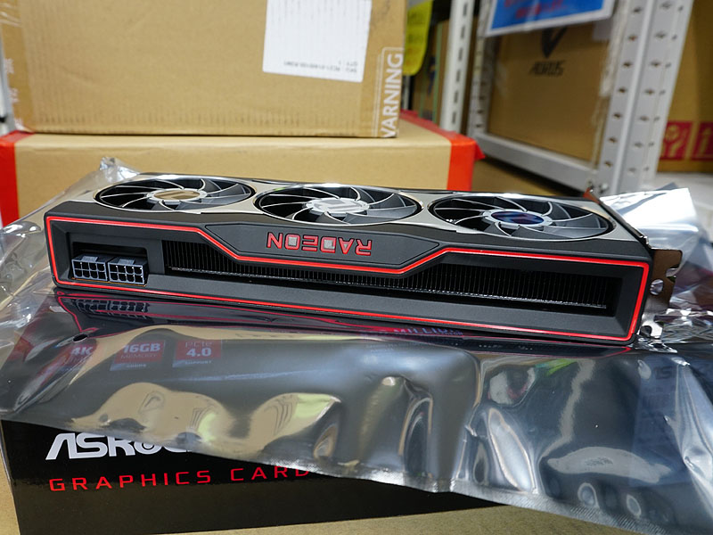 写真はASRockのRadeon RX 6800