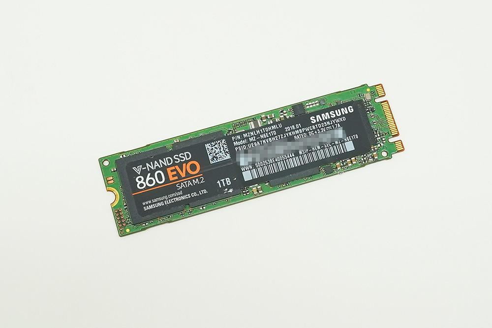Samsung SSD 860 EVO M.2 1TB(MZ-N6E1TB/IT)。