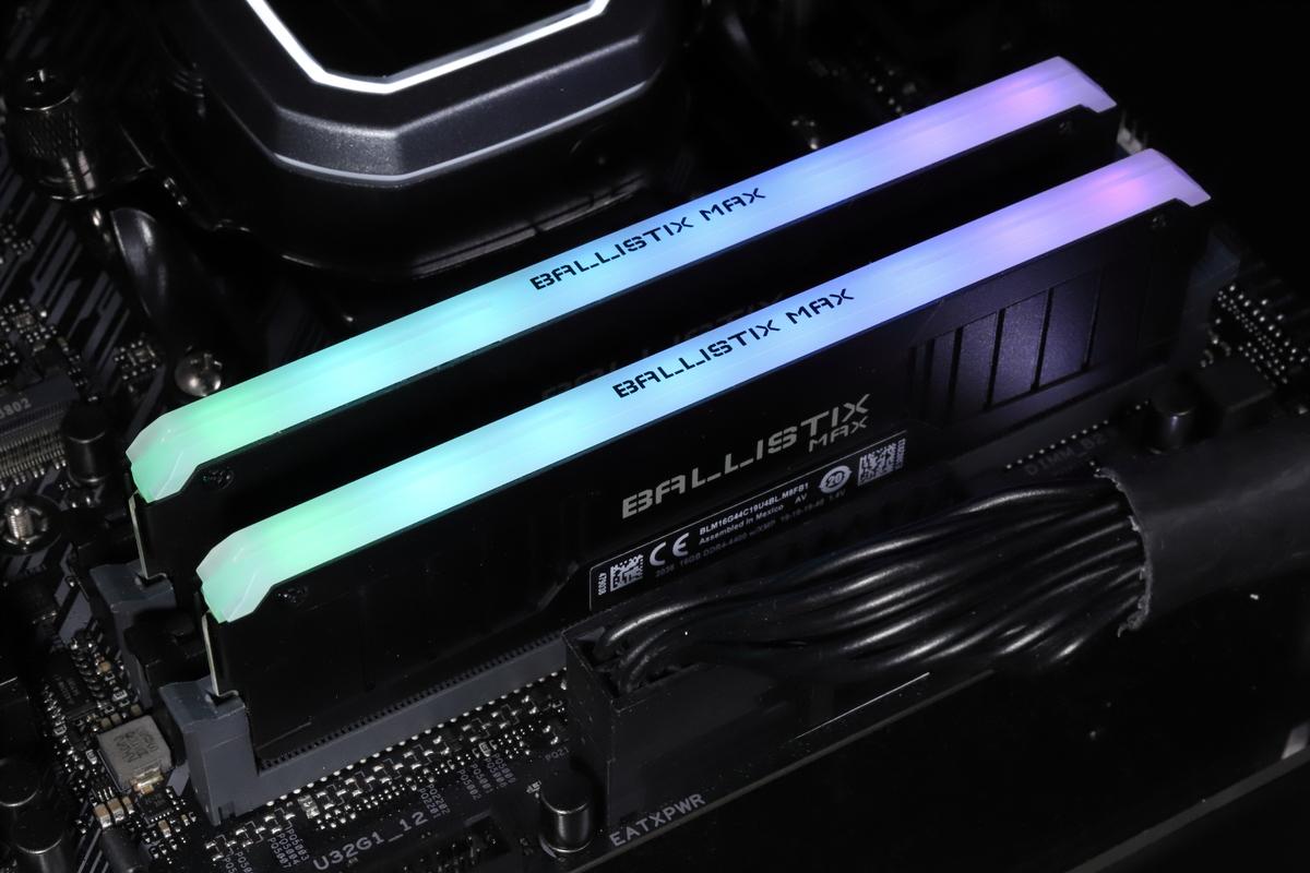 搭載されているLEDはアドレッサブルRGB対応。