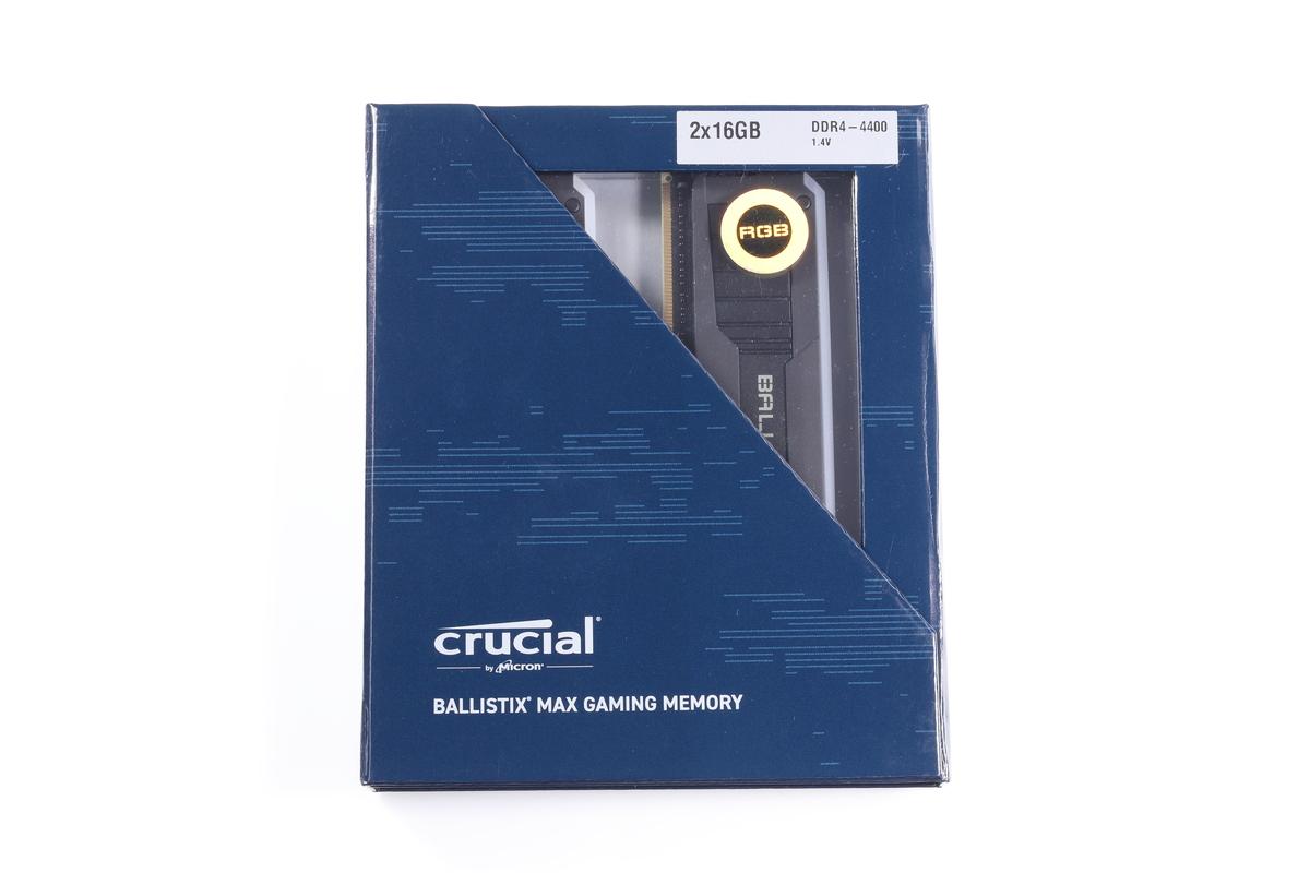 製品パッケージはダークブルー風のカラーとなっている。