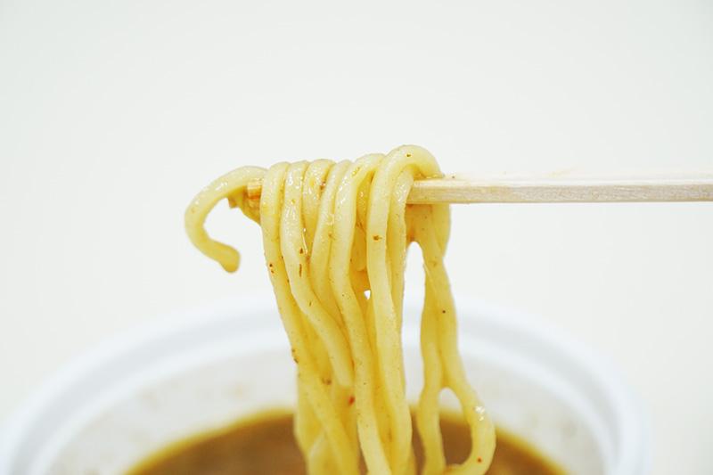麺はよくスープと絡みます。味は普通のと変わりません。