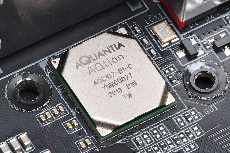 有線LANは10GbE対応のAquantia AQC-107