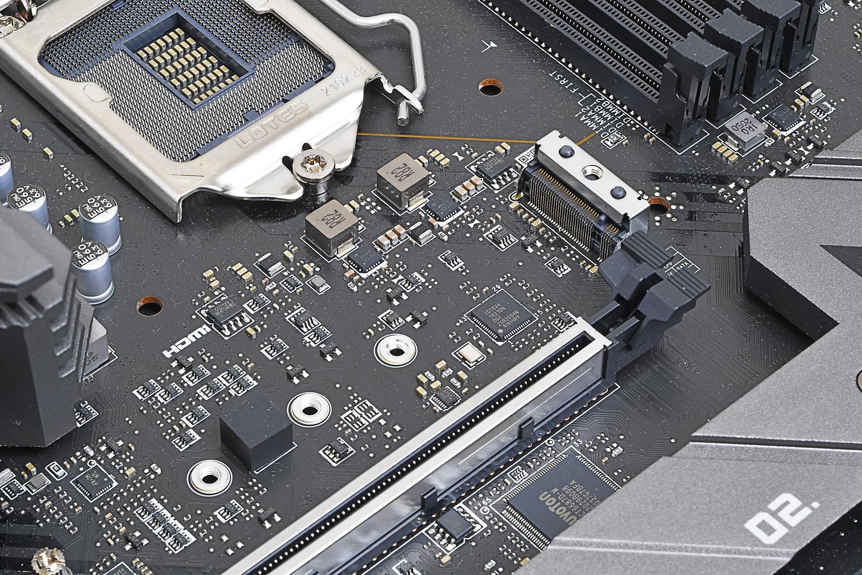 1番目のM.2スロットはPCI Express 4.0接続(CPU直結)専用