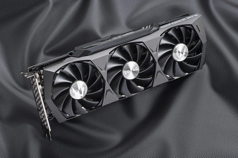 ZOTACのRTX 3080搭載カード「ZOTAC GAMING GeForce RTX 3080 Trinity」。実売価格は150,000円前後(4月下旬調査時。価格は時期により変動します)