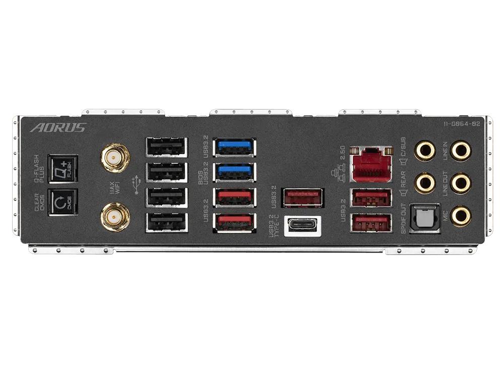 バックパネルにはUEFIを直接更新する「Q-Flash Plus」ボタンやCMOSクリアを行なう「Clear CMOS」ボタンを備える