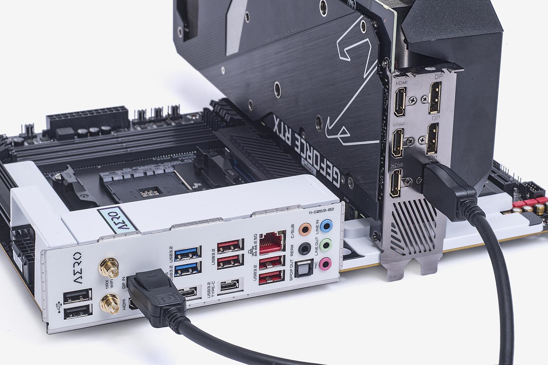 ビデオカードをバックパネルのDisplayPort入力につなげば、Vision LINKから映像を出力できる