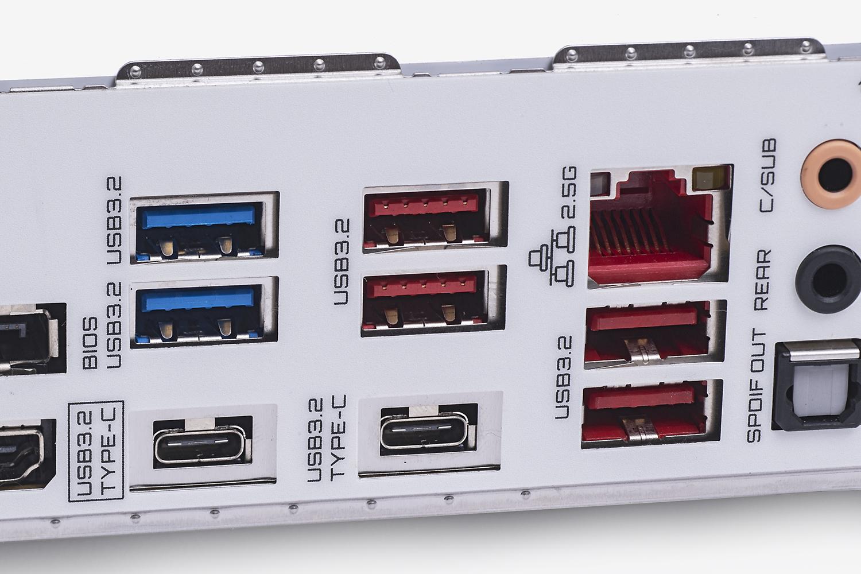 60W出力のUSB PD機能も持つのでスマホやタブレットの急速充電にも便利