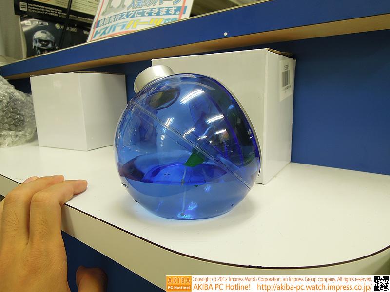 筐体が半透明なため、水量を目視可能。