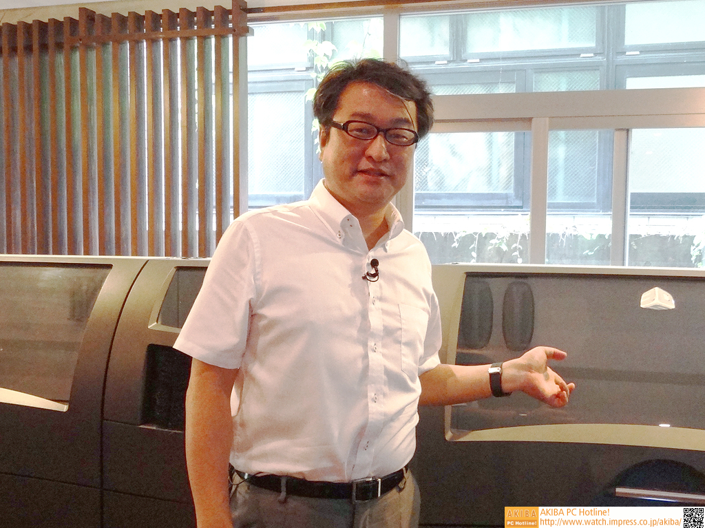 DMM.com社長の松栄立也氏。「今の個人向け3Dプリントは、8bit PCの黎明期のような熱気や将来への夢があってとても楽しい。そういった流れを応援していきたい」という.