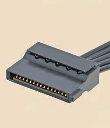 """【Serial ATA】<br class="""""""">SSDやHDDのインターフェースであるSerial ATA規格に対応した電源コネクタ。ペリフェラルコネクタに代わって標準コネクタになりつつある"""
