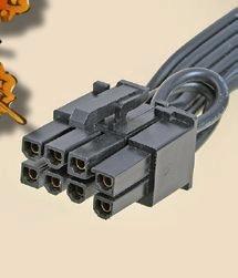 """【PCI Express 6/8ピン】<br class="""""""">ビデオカードの電力供給を補助するためのコネクタ。6ピン(75W用)と8ピン(150W用)があり、両対応できる6+2ピンのコネクタを備えるものが多い"""
