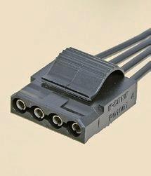 """【ペリフェラル】<br class="""""""">Serial ATAが普及する以前のIDE HDDや光学ドライブなどへの電源供給用コネクタ。ケースファンや補助電源用など、さまざまな用途に使われていた"""