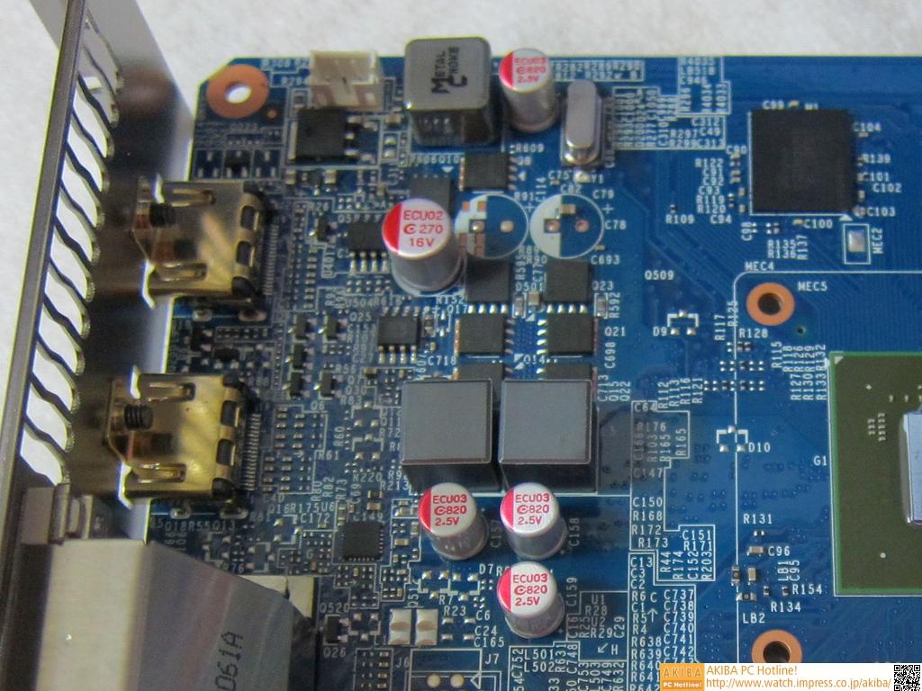 サイズこそリファレンスカードと同じではあるが、Ultra Durable2に準拠しており実装部品の品質は段違い。