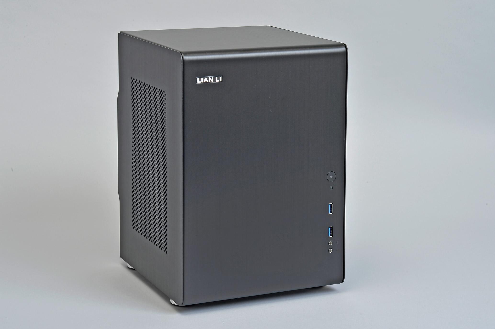 """LIAN-LI PC-Q33<br class="""""""">実売価格:12,000円前後"""