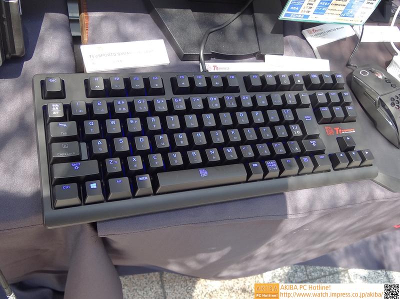メカニカルスイッチの「Poseidon ZX」。バックライトも備える