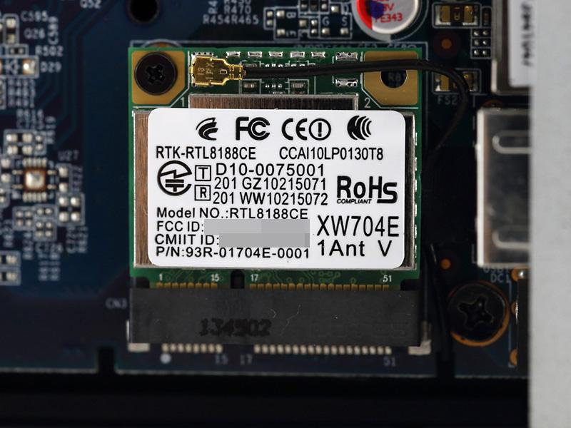 無線LANモジュール「Realtek RTL8188CE」。IEEE 802.11b/g/nに対応。
