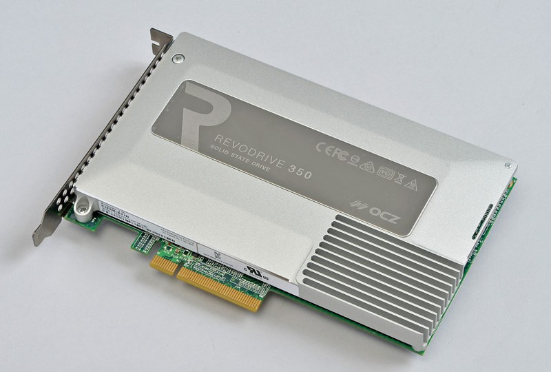 OCZ Storage Solutions RevoDrive 350<br>専用ヒートシンクは超高性能の証!