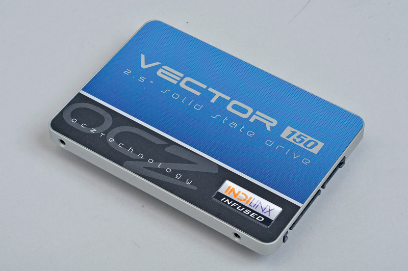 "OCZ Storage Solutions Vector 150 SATA 3 2.5"" SSD<br>キャッシュメモリのクロックが違う!"